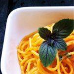 Rezept Nudeln mit Auberginen-Paprika-Pesto. Vegetarisch
