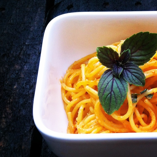 siktwinfood - Pasta mit Pesto aus gerösteten Auberginen und Paprika