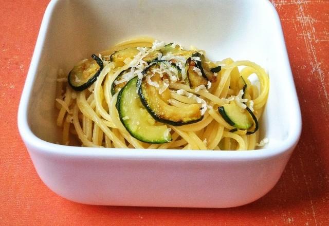 Pastamaniac - Spaghetti mit Zucchini für Zucchiniliebhaber