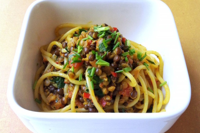 Pastamaniac: Spaghetti mit Belugalinsen in Kokosmilchsauce