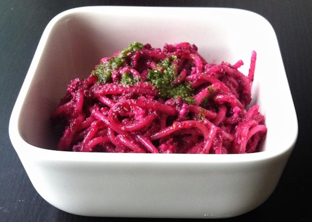 Pastamaniac: Spaghetti mit Rote-Bete-Pesto