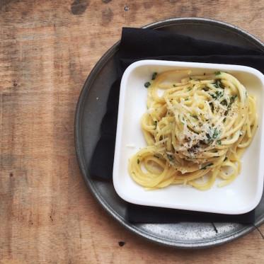 Pastamaniac: Spaghetti mit Zitronen-Basilikum-Sauce