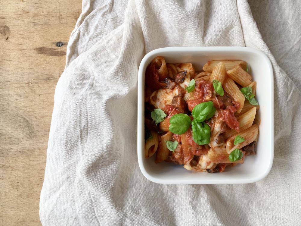 Pastamaniac: mit Tomaten-Auberginen-Sauce und Scamorza, Rezept nach Jamie Oliver