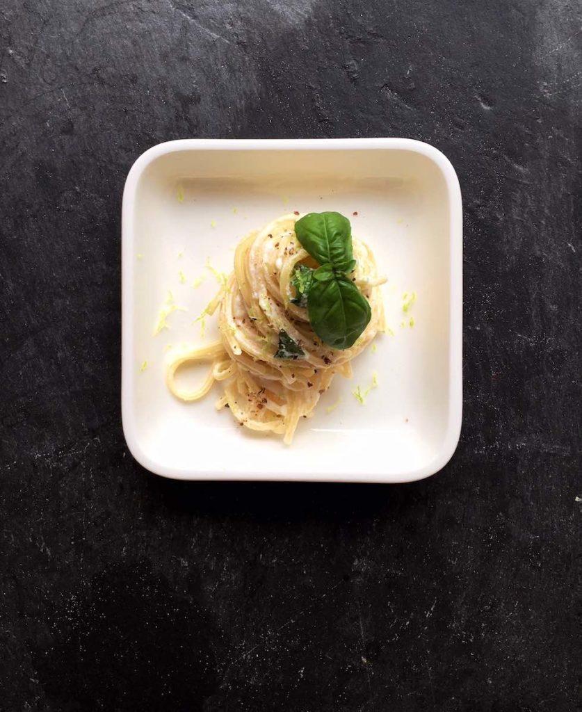 Spaghetti mit Ricottacreme und Zitrone