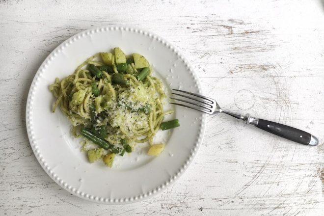 Pastamaniac: Spaghetti mit Basilikumpesto, grünen Bohnen und Kartoffeln
