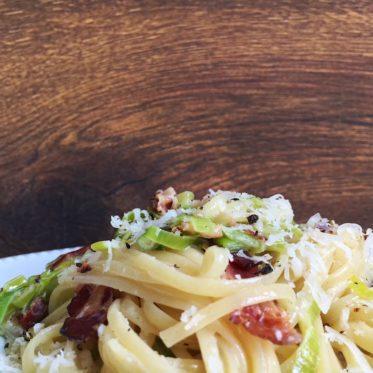 Pastamaniac: Spaghetti Flammkuchen - mit Lauch und Pancetta