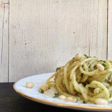 Pastamaniac: Spaghetti mit Bohnenpesto und Salbei