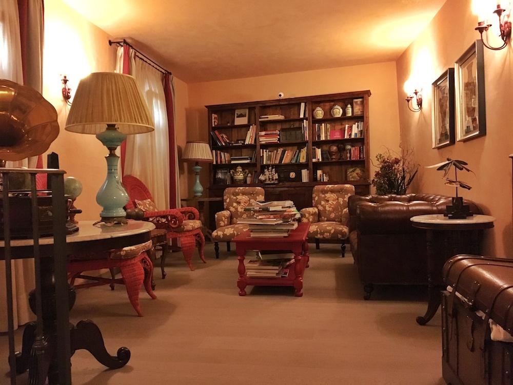Pastamaniac: Relais del Maro, Ligurien, Italien, Greenpearls, Bibliothek