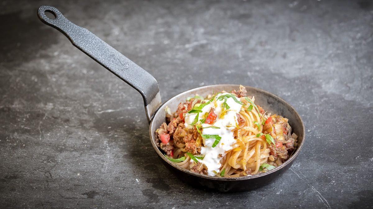 Pastamaniac: Türkische Pasta – Spaghetti mit Hackfleisch-Joghurt-Sauce