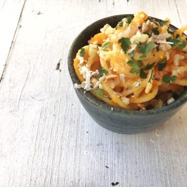 Spaghetti mit Kürbismus, gerösteten Walnüssen und Knoblauchbutter, Pastamaniac