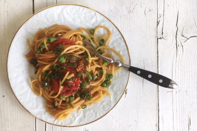 Rezept: Spaghetti mit geschmelzten Tomaten. Vegetarisch. Nudeln.