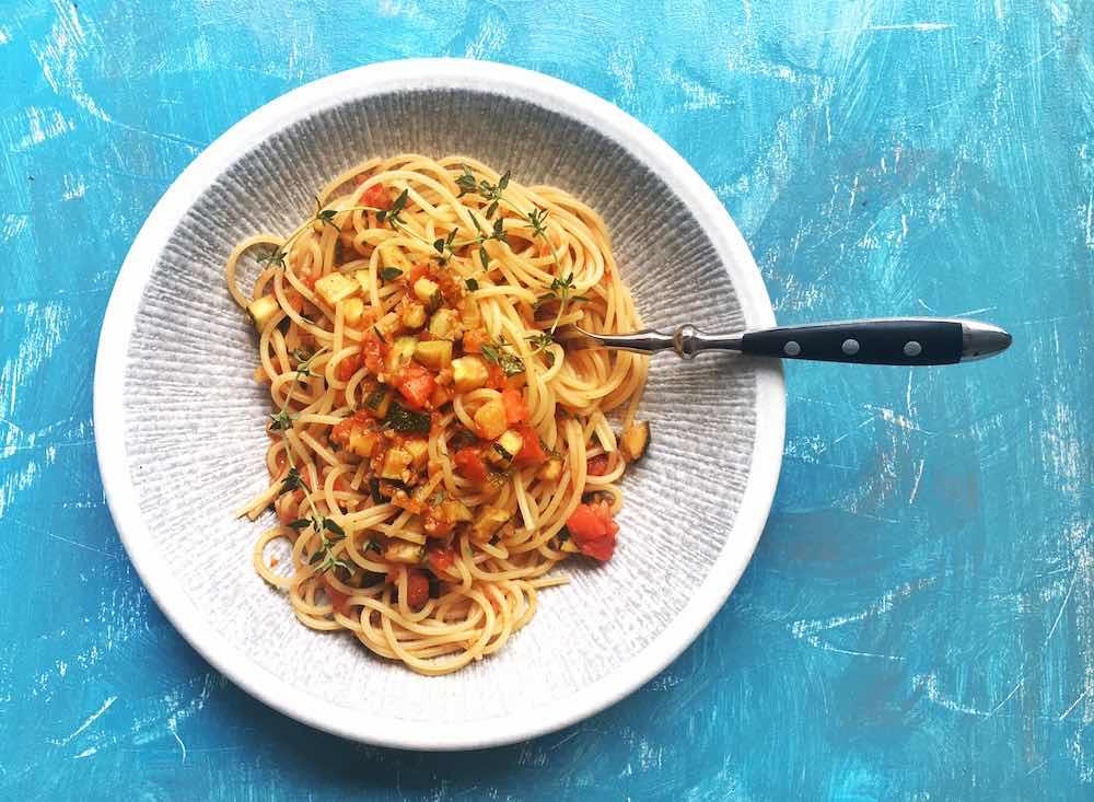 Rezept fürSpaghetti mit Zucchini-Tomaten-Thymian-Sauce, vegetarisch, Nudeln, Pasta