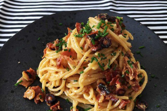 Rezept für Carbonara mit Schwarzwurzel und Südtiroler Speck